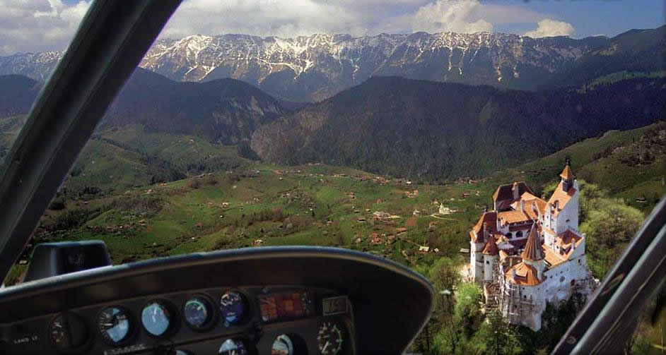 Airplane Dracula tour from Brasov over Bran Castle